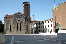 piazza-venerio-udine