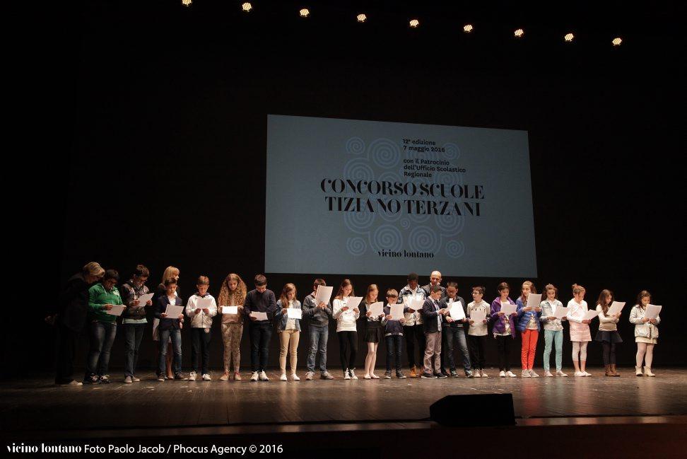 Udine, 07-05-2016 - VICINO/LONTANO 2016 - TEATRO NUOVO GIOVANNI DA UDINE - Concorso Scuole Tiziano Terzani 2016 - Di che cosa dobbiamo avere paura? - cerimonia di premiazione